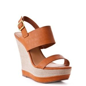 USED STEVE MADDEN LEATHER WEDGE IN COGNAC